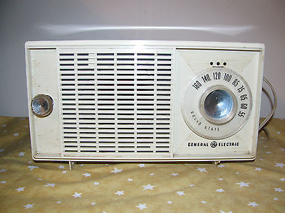 vintage-General-Electric-radio-am-early-60s-table